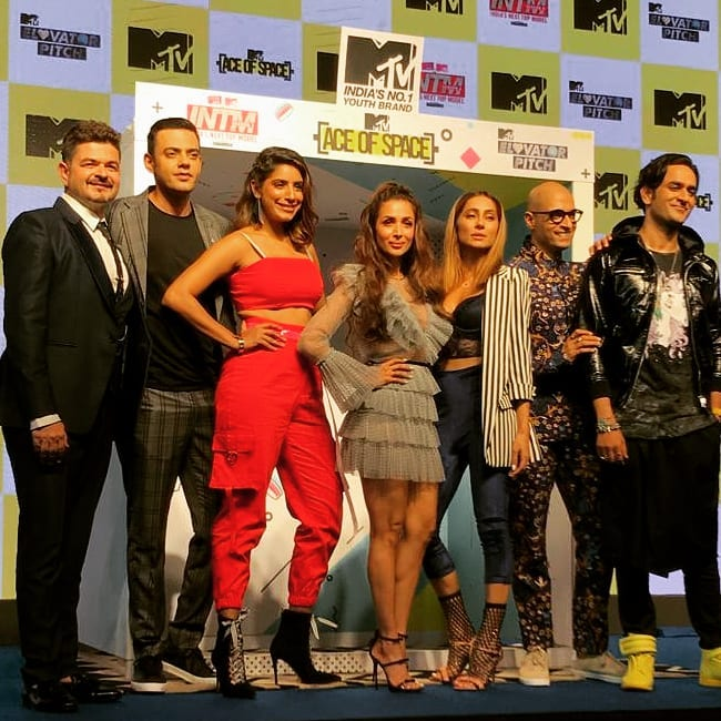 Gaelyn Mendonca with other MTV india's Host
