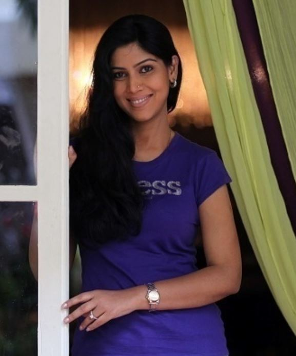 Sakshi Tanwar Early Life