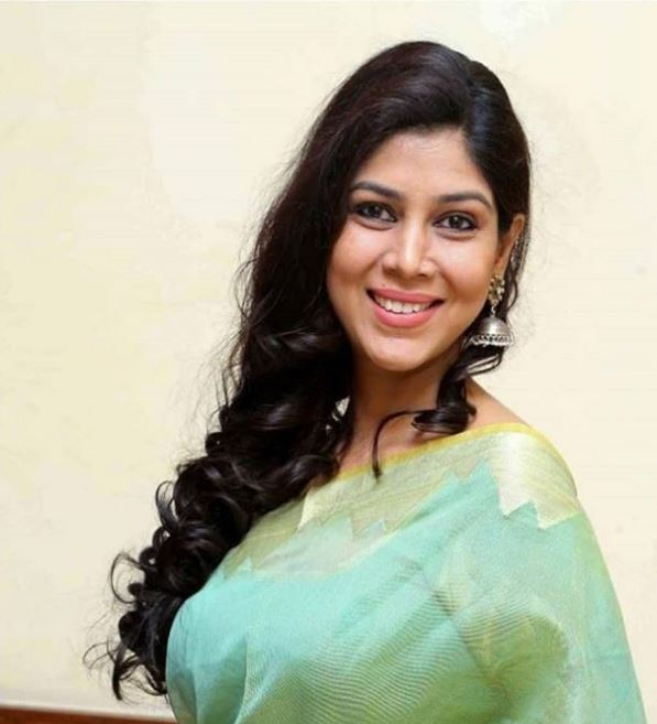 Sakshi Tanwar Fashion