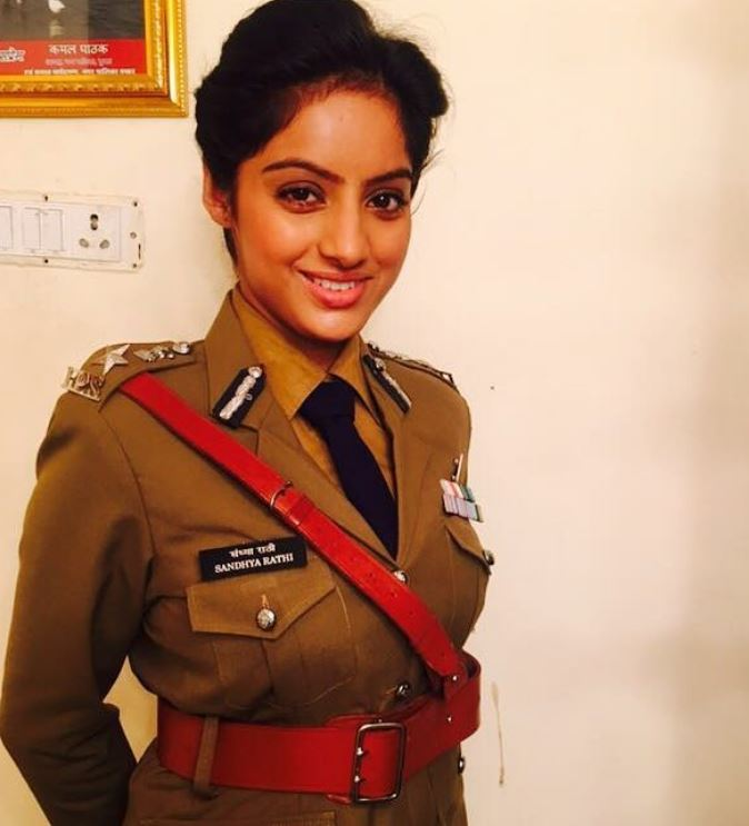Deepika Singh as an IPS officer