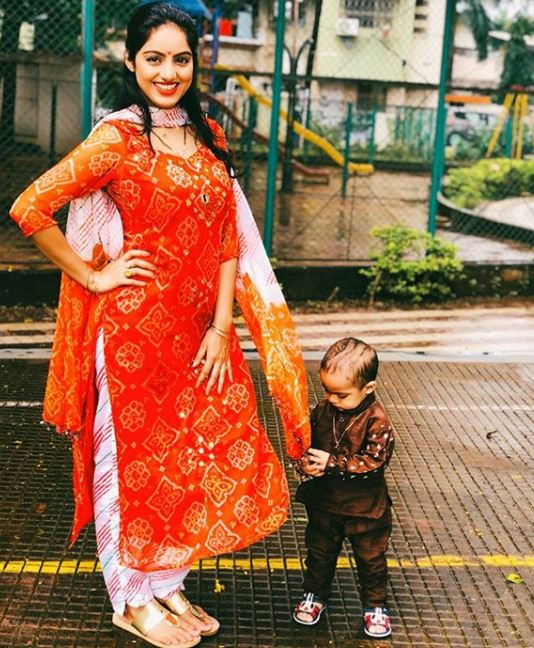 Deepika Singh with his son