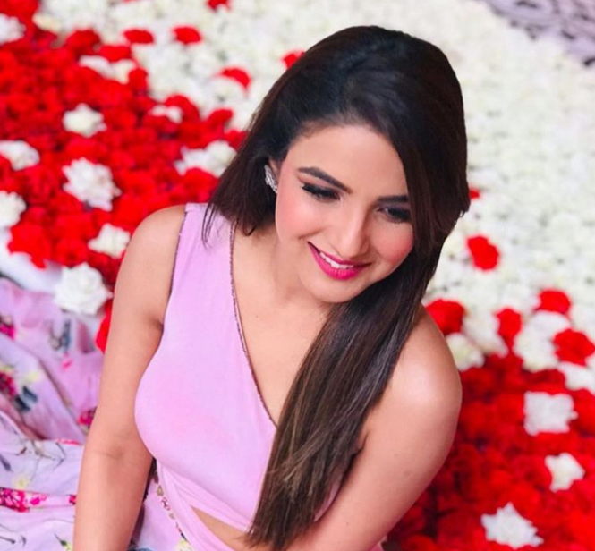 Jasmin Bhasin instagram photos